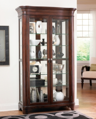 Superbe Sterling Heights Display Cabinet