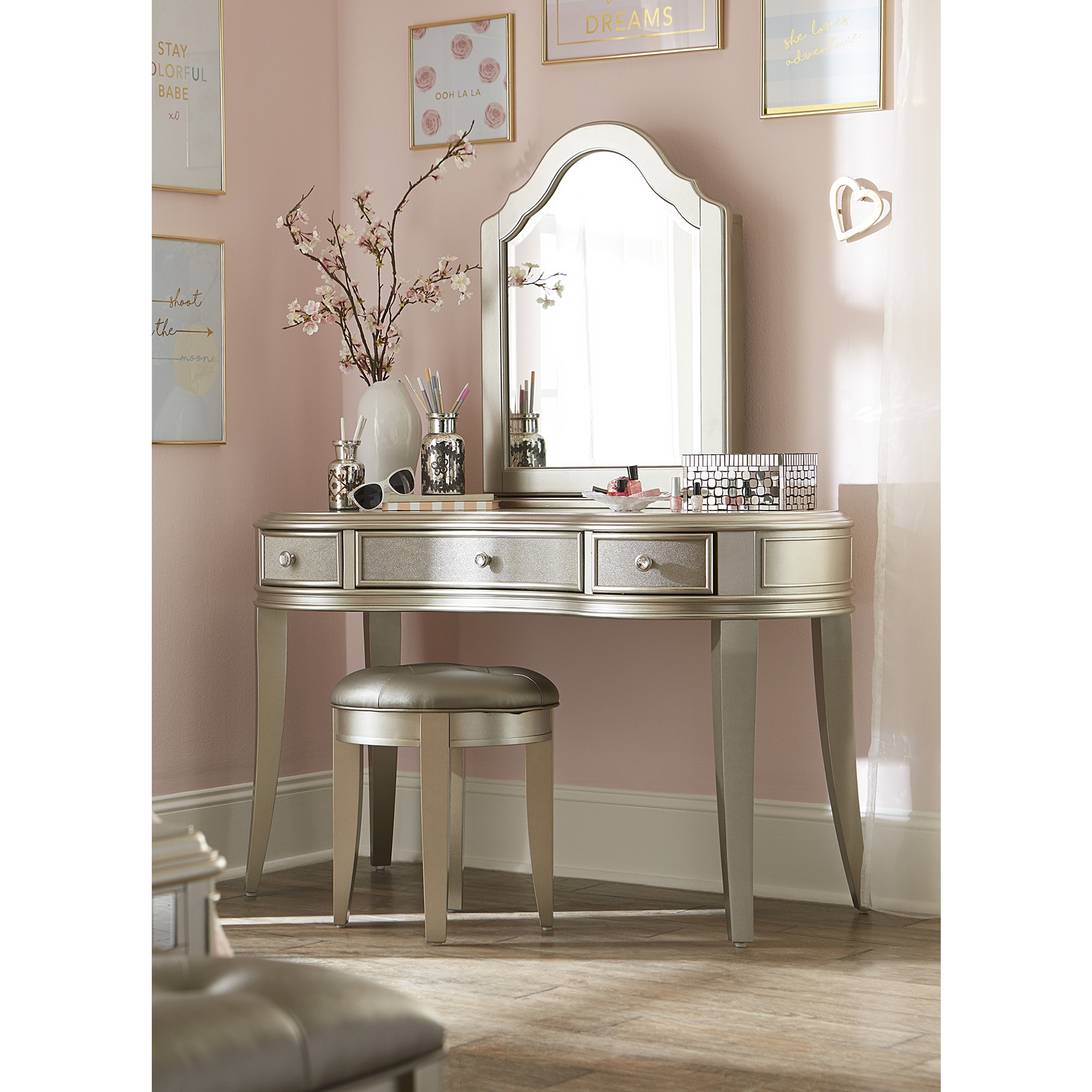 Admirable Kaylah Vanity With Mirror Ncnpc Chair Design For Home Ncnpcorg