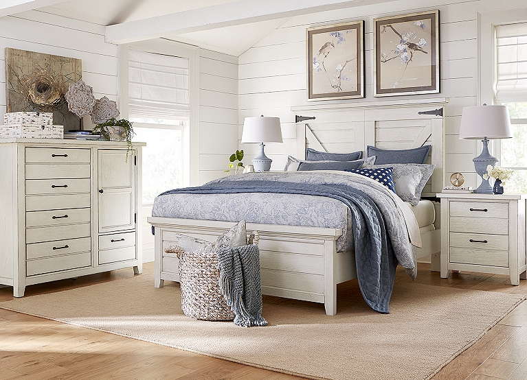 Briar Lake Barn Door Bed Find The Perfect Style Havertys
