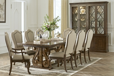 Nice Veneto Dining Table
