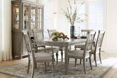 Alternate Highland Beach Dining Table Image